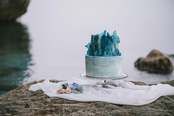 romantic-styled-shoot-beach_16x