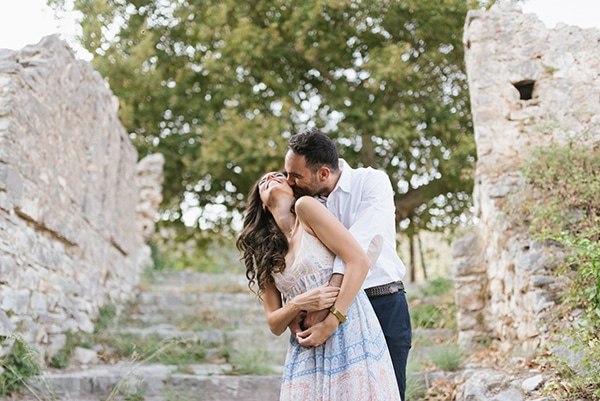 romantic-prewedding-photoshoot-nafpaktos_02x