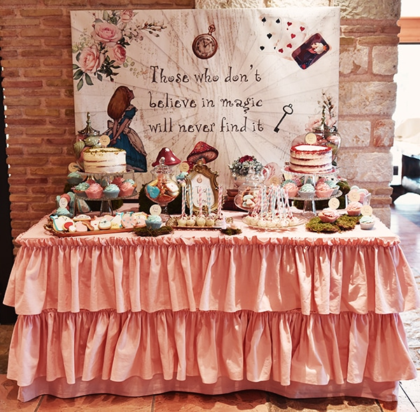 fairytale-girl-baptism-ideas-alice-wonderland_00