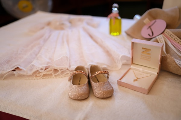 romantic-girl-baptism-rustic-details-pink-gold_08