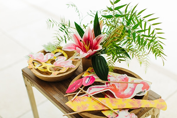 dreamy-girly-baptism-vivid-colors-tropical-details_09