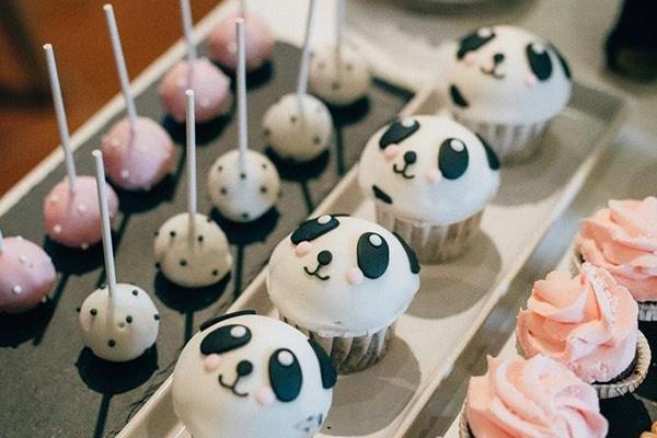 """Κοριτσίστικες ιδέες διακόσμησης για βάπτιση με όμορφα χρώματα και θέμα το """"Panda"""""""